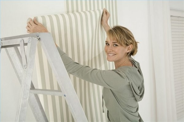 How to properly glue non-woven wallpaper